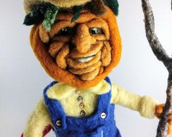 Needle felted pumpkin farmer,halloween pumpkin,pumpkin farmer,pumpkin man,halloween doll,fall harvest pumpkin,pumpkin doll,poseable doll