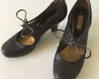 0e16a5569d4a Kenneth Cole    Petite Heel d Brown Mary Janes    Womens 37