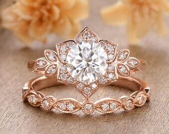 Flower Moissanite Engagement Ring Set Antique 2pcs Rose Gold Moissanite Bridal Ring Set Halo Floral Wedding Ring Set Art Deco Vine Promise