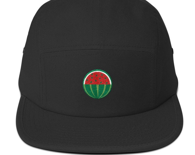 Unisex 5 panel cap / hat with embroidered melon