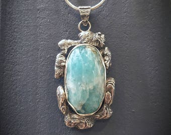 Ocean pendant in sterling silver and amazonite