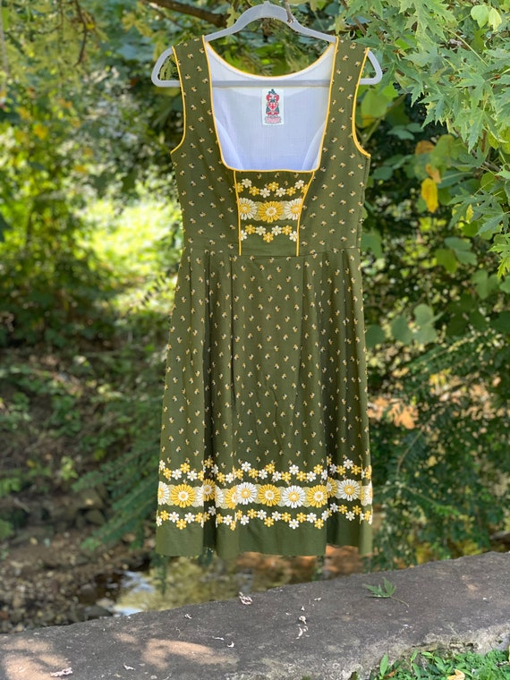 70s Floral Embroidered Dirndl