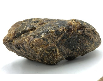"""Nice Chunk of Raw Natural Black Amber from Sumatra, Indonesia 158g - 5.7 ounces 4.7""""L x 2.7""""W x 1.7""""H"""