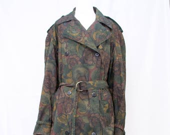 Incredible Vintage Printed Double Breasted Trench Coat with Amazing Detail. Zip Out Wool Lining