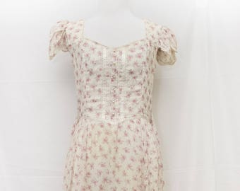 Vintage GUNNE SAX by Jessica long flowered dress with ribbon and lace trim and Pearl Buttons