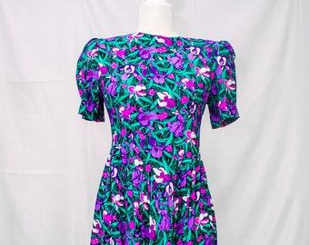 Beautiful E.D Michaels Iris Print  80's Dress.