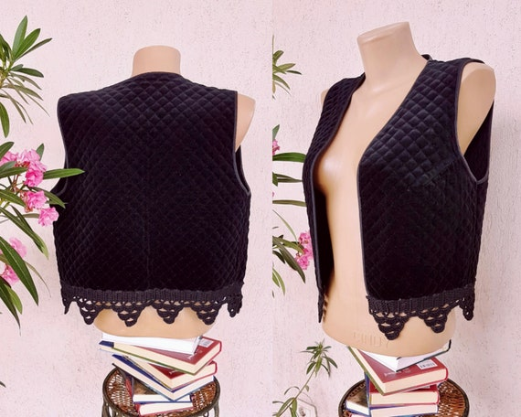 70s black velvet quilted vest with crochet size ME