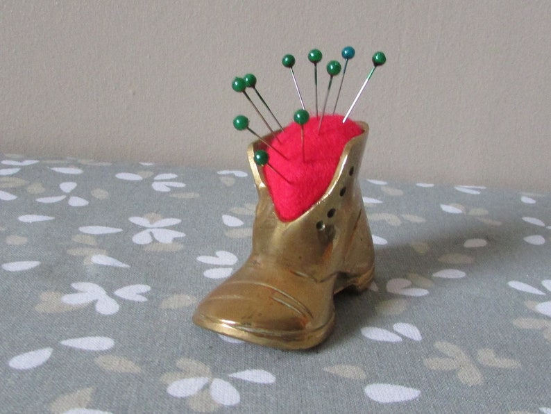 Free UK P/&P. Up-cycled retrovintage brass boot pincushion with classic red felt