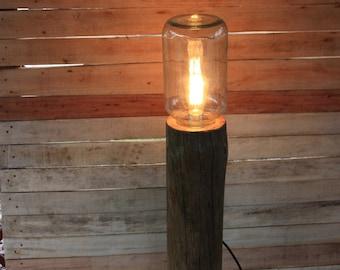 Lampa drewniana stojąca 2da7f5c9b7