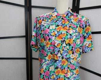 Cerise // Vintage 1980s Short Sleeve Button Up Blouse // Floral // Spring Blouse // Bold // Boxy Pleats // Impressions // Small-Medium