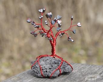 Metallic heart wire tree