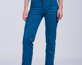 Blue jeans with high fit
