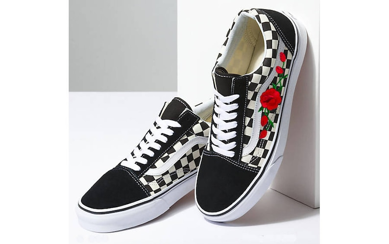 Rose EmbroideredVans Womens Embroidered SneakersFloral VansRed Flower Patterned Custom ONnw8vm0