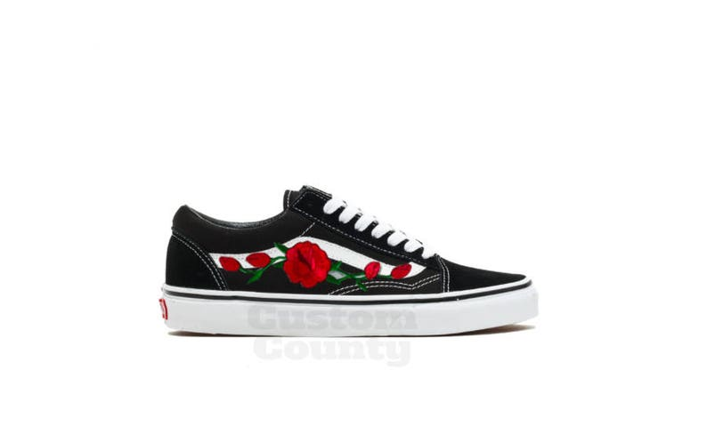 57530c65c39 Old skool Vans custom made shoes Vans sneakers Vans rose