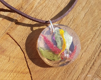 Petal and Leaf Pendant Necklace