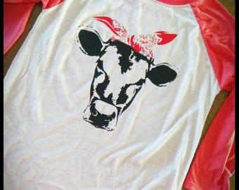 Raglan top with cow face and bandanna.