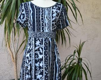 Vintage summer dress, blue floral, short sleeve, sash tie back, scoop neck, knee length