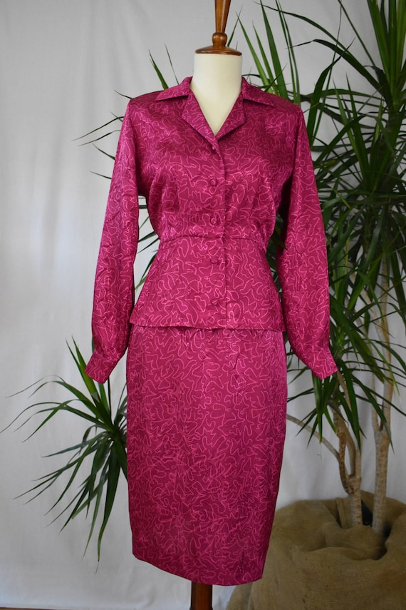 1980's 2 piece suit, hot pink, light pink swirls,