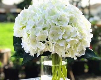 Enova Home Artificial Hydrangea Flower in Clear Glass Round Vase With Faux Flower Luxury Gorgeous Arrangement For Home Office Decoration
