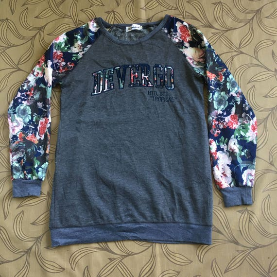 Vintage Hansichun Devergo Womens Sweatshirt Crewneck Big Logo Spell Out Gray  Sweater Size L c10223e844
