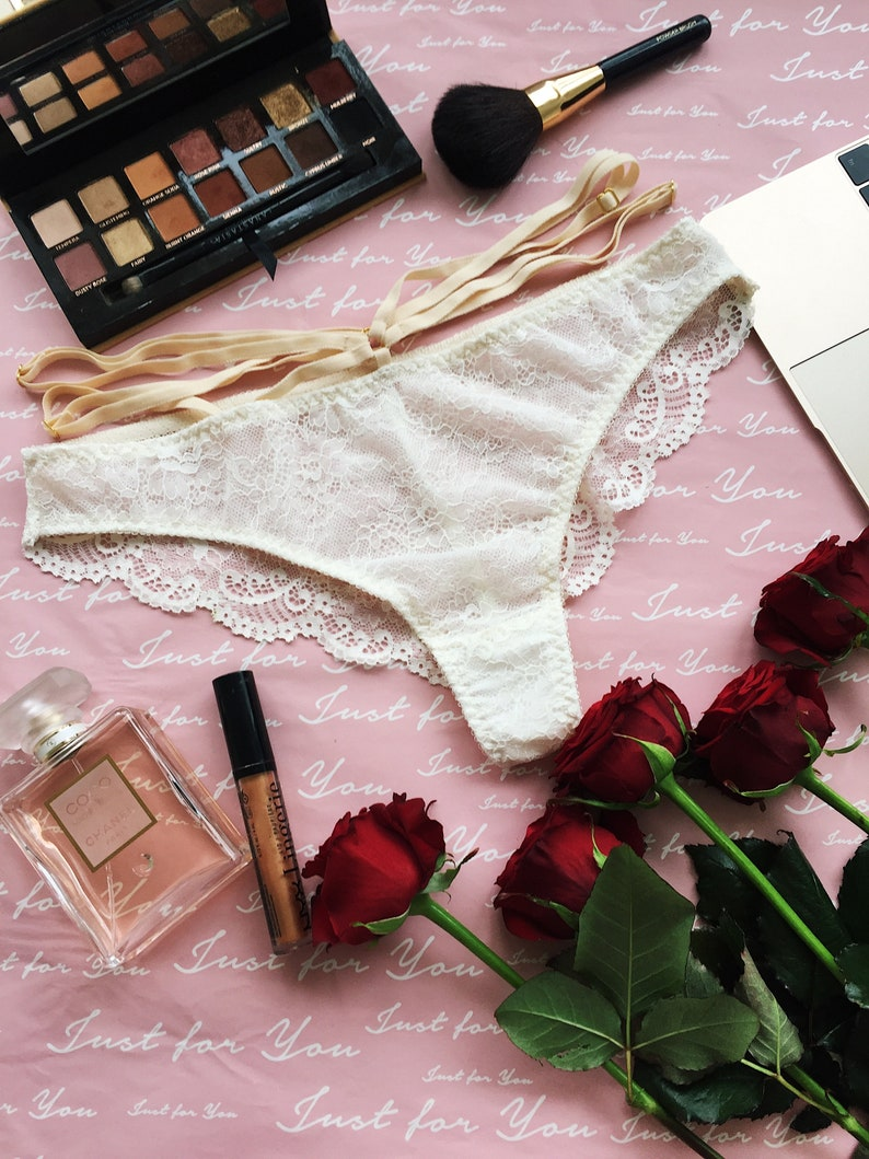 cbc0f0cd0 White Ivory Openwork Lace Bikini panties with twists on the