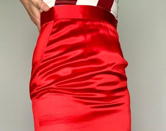 Vintage C&A red satin style fabric slinky fitted a-line skirt / side slit / size 8