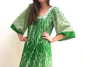 Vintage 70s green print kaftan tunic dress size L