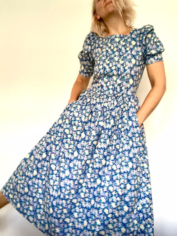 Iconic vintage Laura Ashley  floral puff sleeves m