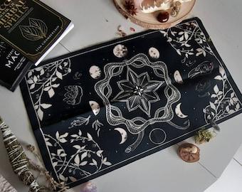 Witch essential altar cloth