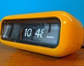 Super cool, 70s space age styled Bosch UDW2 flip clock alarm clock, mid century design icon