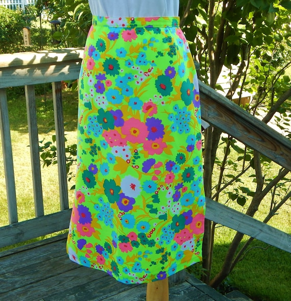 Vintage 70s Mod Flower Power Midi Skirt ~ 1970s Neon Poliestere Stampa Floreale, Spacchi Laterali, Psychadelic, Hippie, Festival ~ Taglia S by Etsy