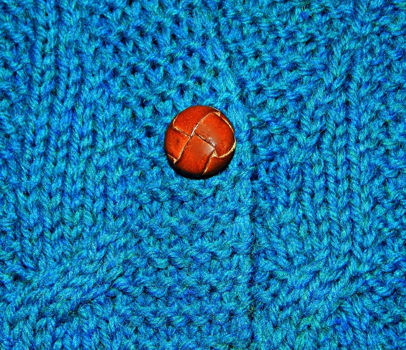 Preppy Vintage 70s Hand Knit Blue Sweater Vest Cable Fisherman Knit Wool Size XS ~ Vintage 1970s Leather Covered Buttons