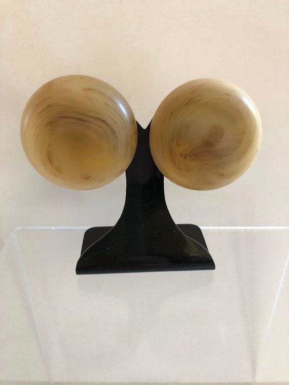 Vintage massive marbled bakelite earrings round ma