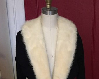Vintage 1950s Wool Sweater With Fur Collar