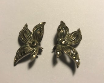 Marquisette leaf clip on earrings