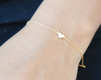 1bd9cc869a41d7 Tiny Gold Heart Bracelet Personalized Friendship Bracelet LOVE Dainty Heart  Jewelry Thin Chain Bracelet Initial Heart Bridesmaid Gift