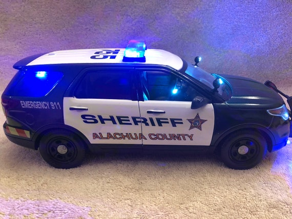 1/18 scale Alachua County Florida Sheriff die-cast Ford Explorer model  replica with working lights and 4 tone siren