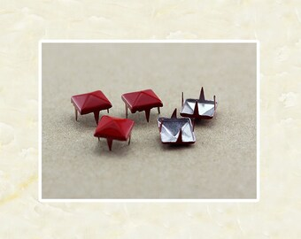 50PCS Red Pyramid Rivet Studs Metal Studs Rivets Studs Spikes Leather Craft Supplies MD019