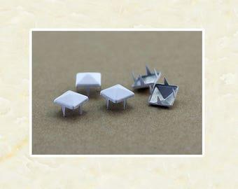 50PCS White Pyramid Rivet Studs Metal Studs Rivets Studs Spikes Leather Craft Supplies MD020