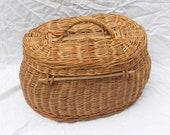 Picnic basket - Old lidded basket - Popular art - France - Old Vannerie
