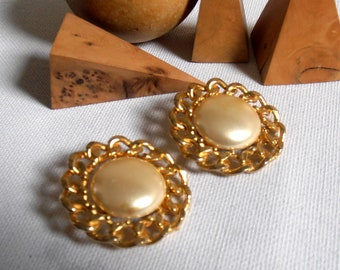 Clip on earrings - gold metal - vintage 50s - earrings