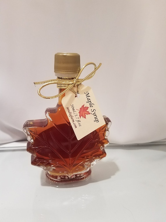 ee9bcb99d28 Wedding Favor Maple Syrup Set of 48 50mL Maple Leaf Glass