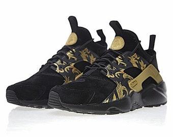 huge discount 352d6 7dc55 Custom Versace x Nike Huarache