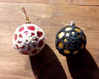 Crocheted Christmas bauble - model 4