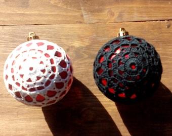 Crocheted Christmas bauble - model 2