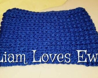 Crochet infinity cowl.  Royal blue infinity cowl.  Women's infinity cowl.  Neckwarmer.