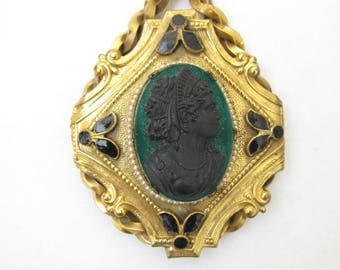 Gorgeous Victorian Onyx and Serpentine Cameo Pendant Necklace (17)