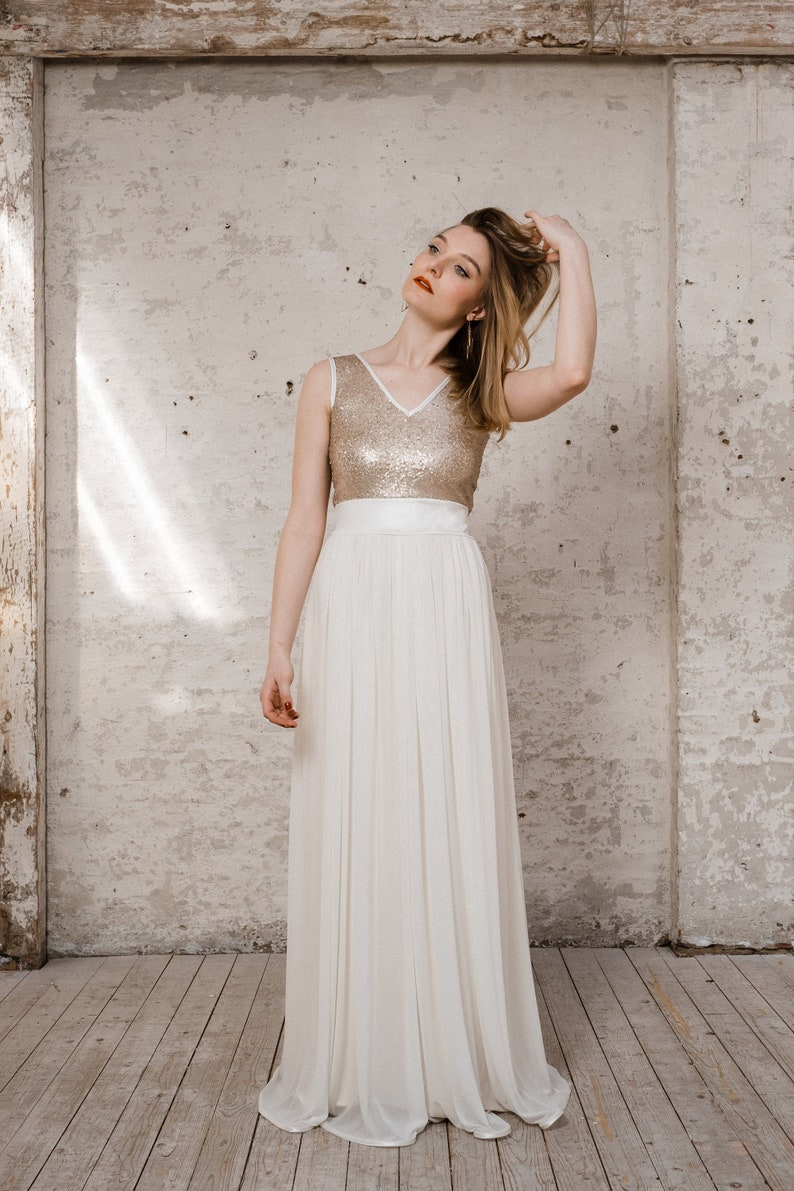 Wedding dress ' Goldie ' long with tulle and gold top image 0