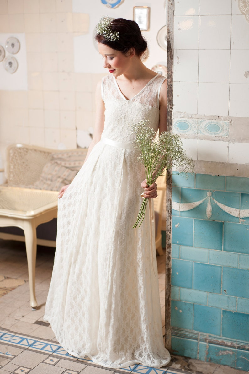 Floor-Lenght Wedding Dress Snow White  image 0