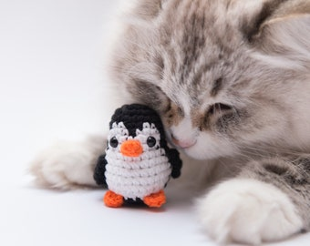 Penguin catnip cat toy, best cat toys. Cute black and white penguin with organic catnip and valerian. Christmas cat gift.crochet fun cat toy